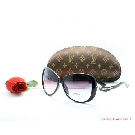 $19.0, Louis Vuitton Sunglasses #194674