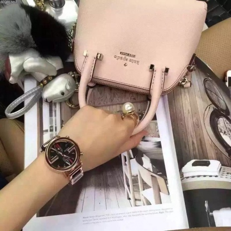 $23.0, Gucci Watches for Women #238439