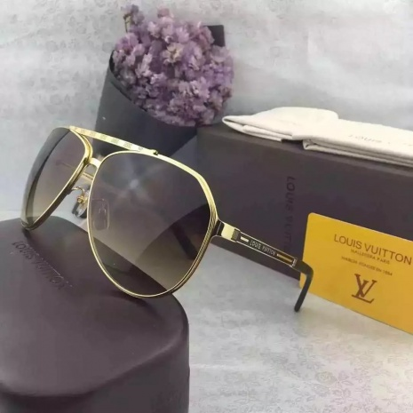 Louis Vuitton AAA+ Sunglasses #239449