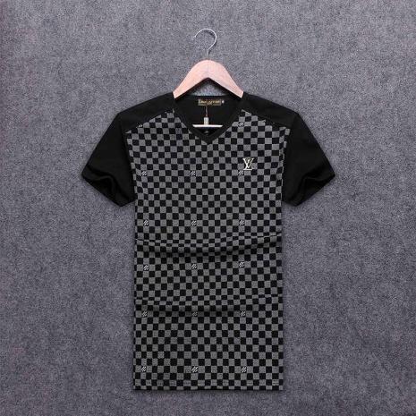 $19.0, Louis Vuitton T-Shirts for MEN #263524