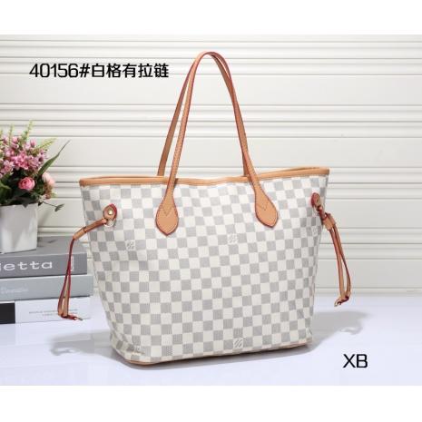 $23.0, Louis Vuitton Handbags #264077