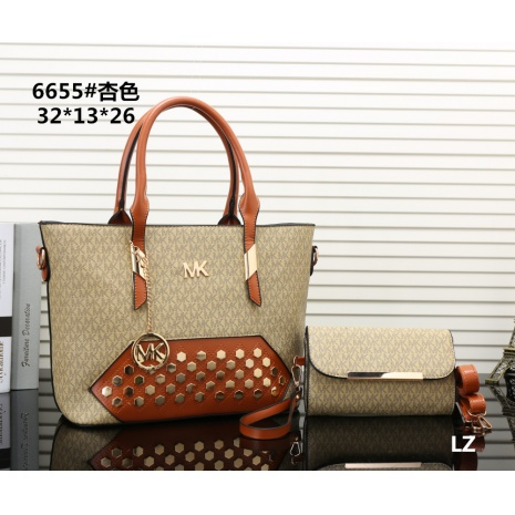 $27.0, Michael Kors Handbags #270679