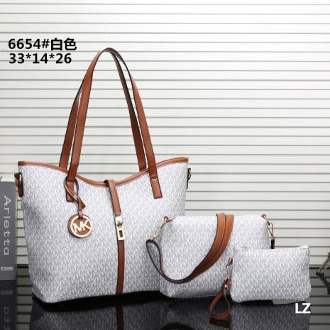 $25.0, Michael Kors Handbags #270685