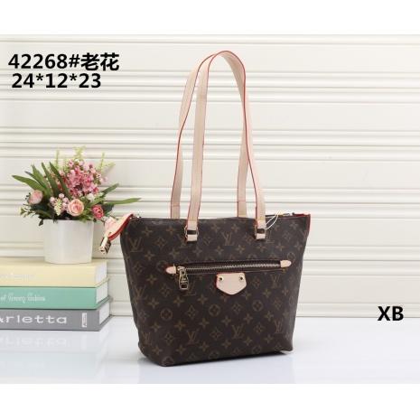 $24.0, Louis Vuitton Handbags #271990