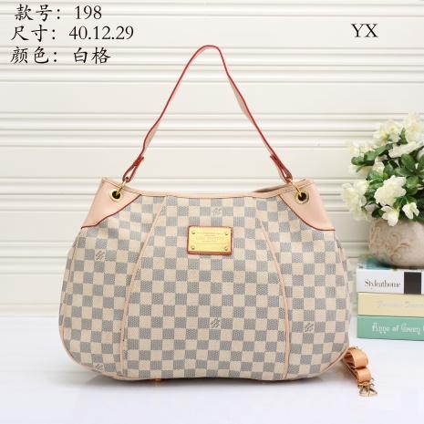 $27.0, Louis Vuitton Handbags #272031