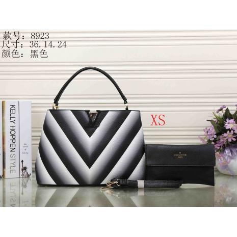 $33.0, Louis Vuitton Handbags #287347