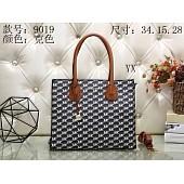 $29.0, Michael Kors Handbags #289985